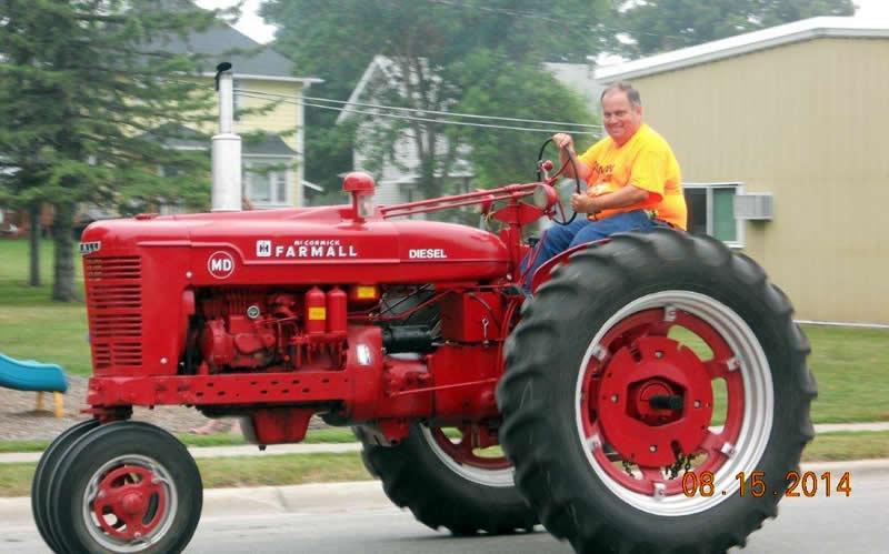 tractorparade2